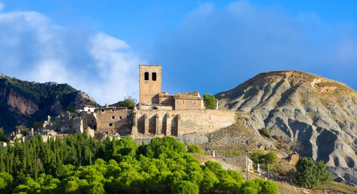 Vista de Escó (Huesca) llegando a Jaca desde Pamplona (Navarra)